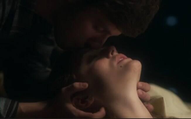 """Em """"A Lei do Amor"""", muitas cenas de sexo fazem a temperatura subir"""