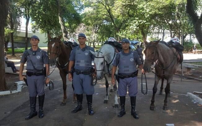 Sargento da Polícia Militar Ronny, cabo Milton e o soldado Alvim realizaram prisão na região do Metrô Armênia