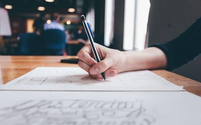 Além de anotar tudo o que você deseja alcançar, deixe estas metas ao alcance dos olhos, para nunca se esquecer
