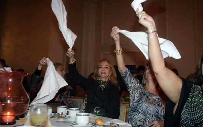Vera Loyola em chá beneficente no Rio, no final do ano passado