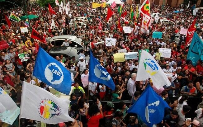 O Brasil é vítima da inversão da lógica que, nos países mais evoluídos, pauta a relação entre Estado e sociedade