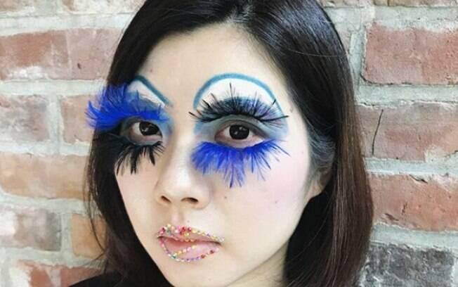 Os cílios duplos viralizaram depois que uma maquiadora publicou uma foto no Instagram