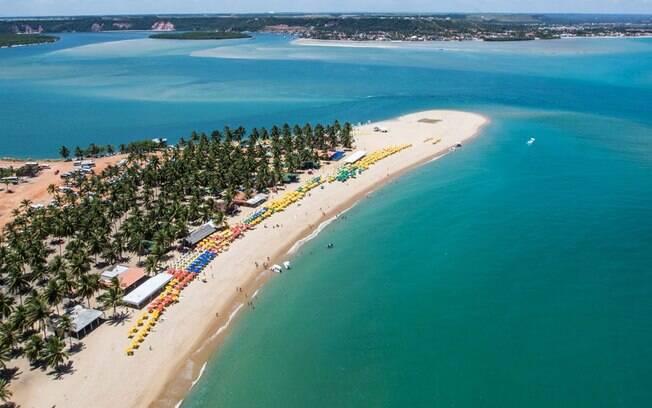 A Praia do Gunga também está recheada de opções para quem procura o que fazer em Alagoas na próxima viagem
