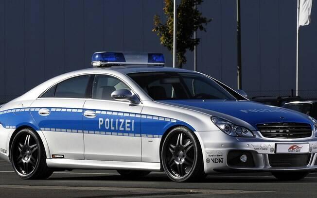 Super Carros da Polícia - Mercedes-Benz CLS Brabus Rocket