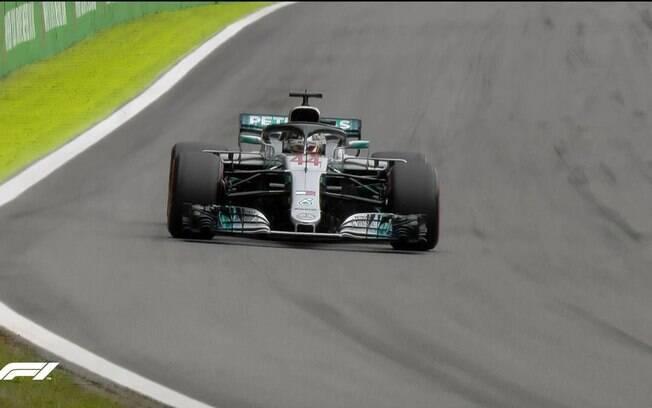 Lewis Hamilton bateu o recorde da pista de Interlagos