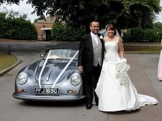 O carro da britânica no dia de seu casamento