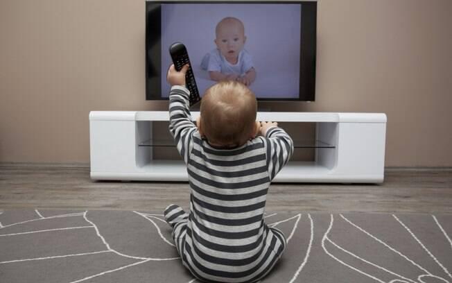 Pesquisadores aplicaram testes em crianças para determinar nível de aprendizado de linguagem de sinais através de vídeos