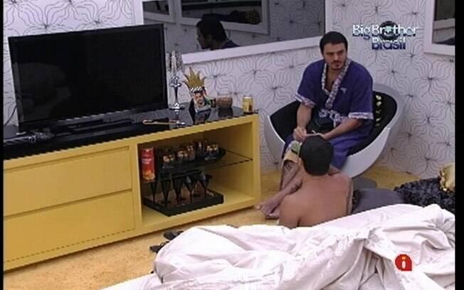 Rafa e Yuri falam sobre João Carvalho no Quarto do Líder