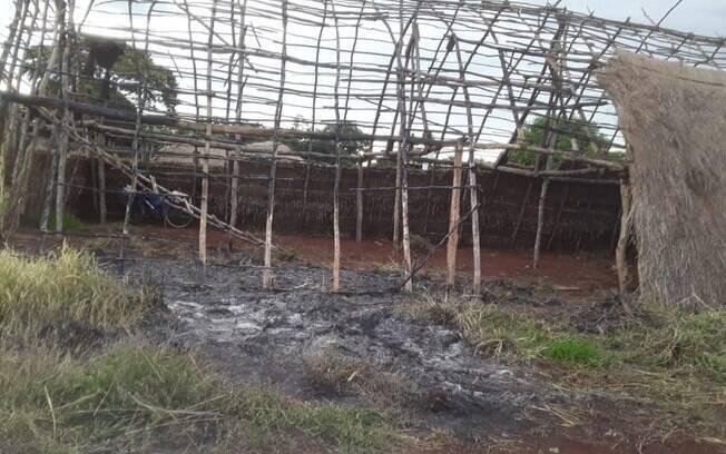 Casa de reza foi incendiada em comunidade indígena na cidade de Rio Brilhante, no Mato Grosso do Sul
