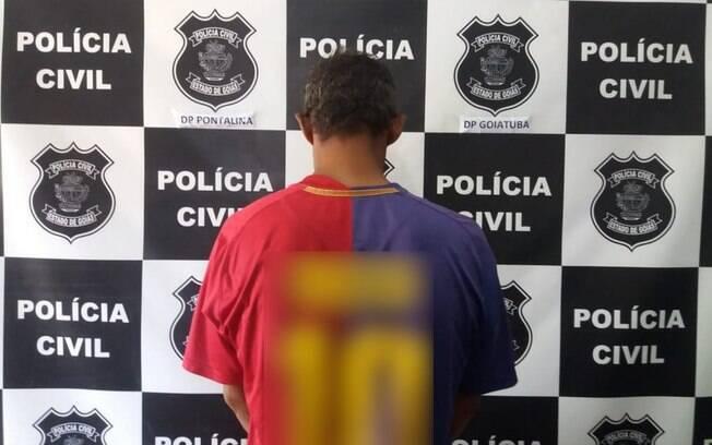 O suspeito teria cometido atos libidinosos contra a vítima enquanto ela estava desacordada, segundo a Polícia Civil.