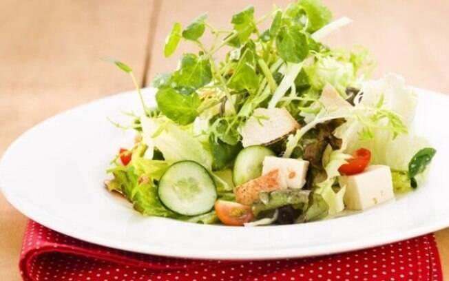 Clique na foto e veja uma lista com 18 opções de pratos lindos e leves
