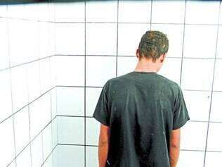 Na terça, dia 10,  jovens contaram que estavam há cinco dias na cela sem banho