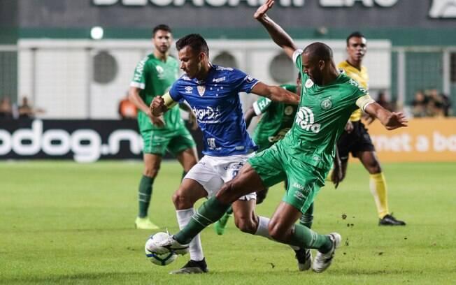 Cruzeiro e Chapecoense duelaram pela sexta rodada do Brasileirão, em Belo Horizonte