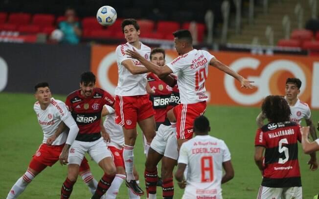 Internacional tem grande atuação e atropela o Flamengo no Maracanã