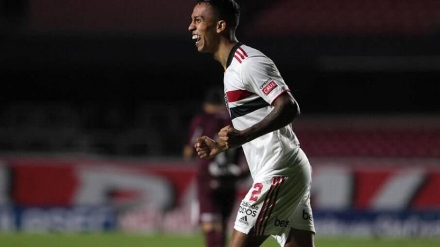Igor Vinicius mira 100 jogos com a camisa do São Paulo