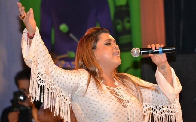 Preta Gil é uma das atrações dos bailes de carnaval do Monte Líbano