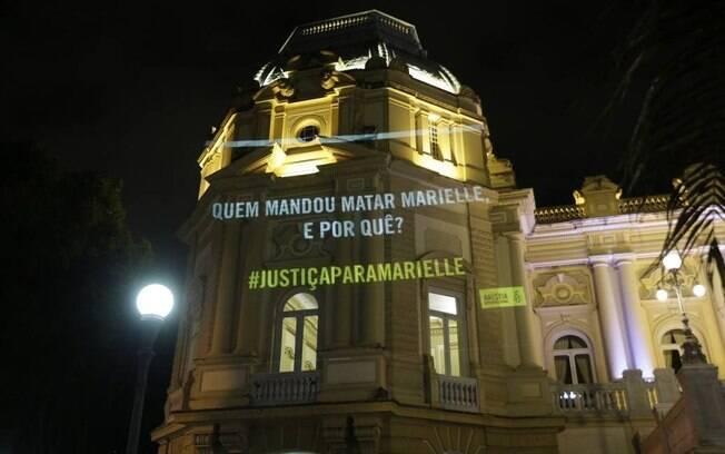 Ato da Anistia Internacional para lembrar os 20 meses do assassinato da Marielle Franco. Ponto de Projeção Palácio Guanabara.
