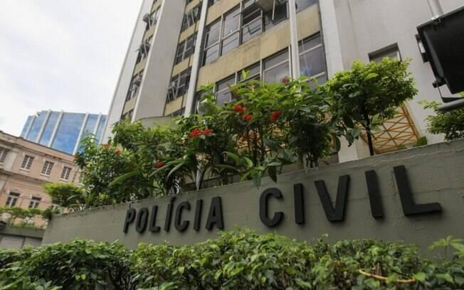 Os presos estão sendo levados para a sede da Polícia Civil, na Lapa