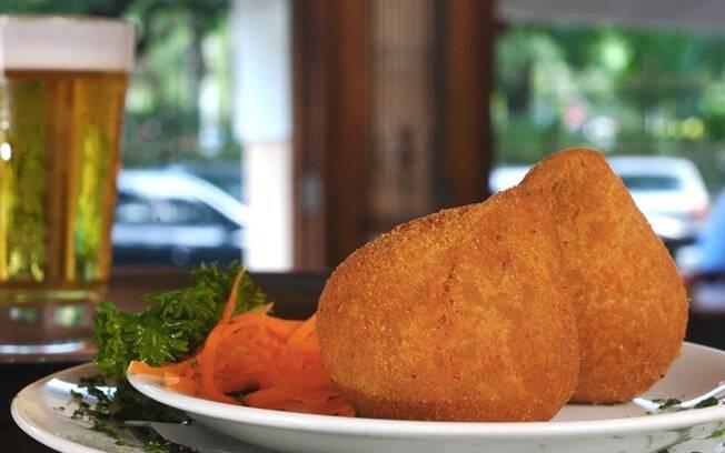 Foto da receita Coxinha de frango pronta.