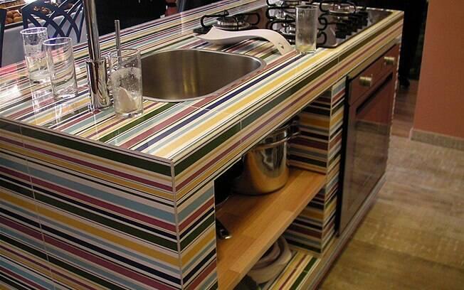 Ideias para deixar a casa linda com objetos e materiais reciclados  Decoraçã -> Como Fazer Pia De Banheiro De Tijolo