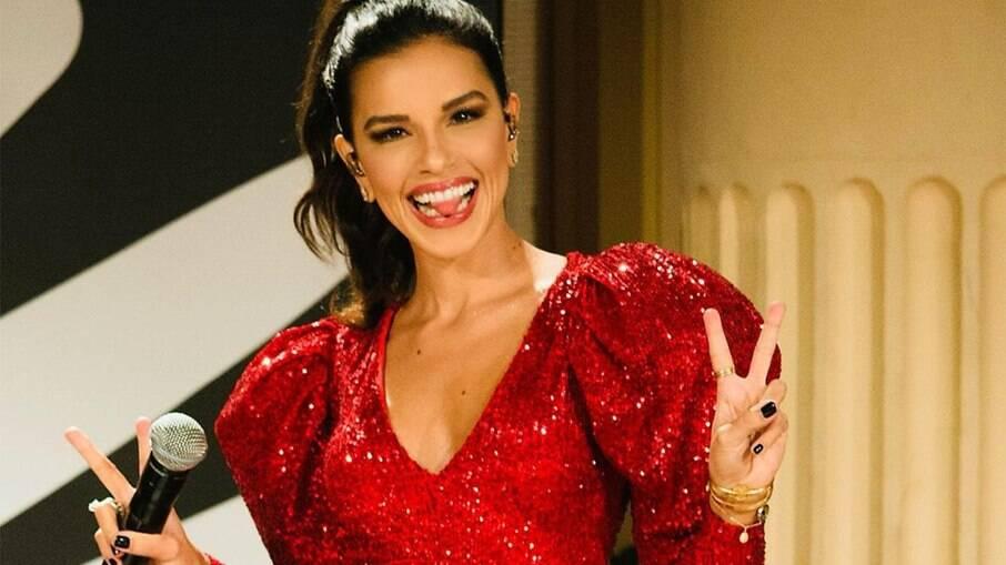 Mariana Rios assina contrato com a Netflix