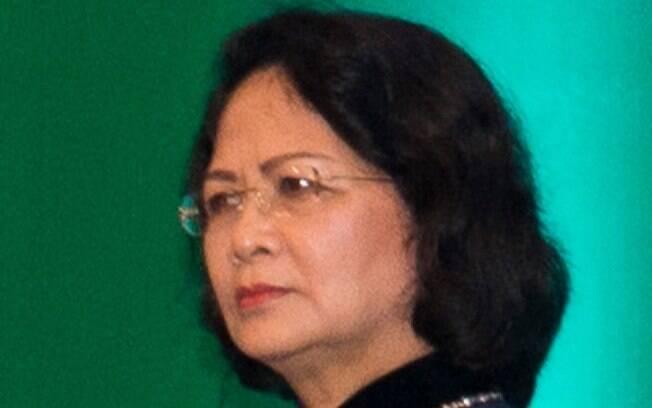 Após a morte do presidente, a vice Dang Thi Ngoc Thinh assumiu como a primeira presidente mulher do país
