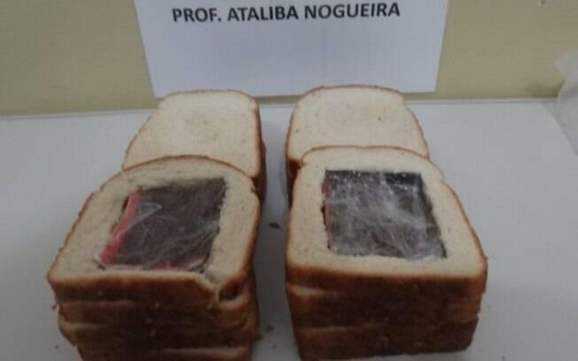 Maconha sintética foi encontrada dentro de pão de forma.