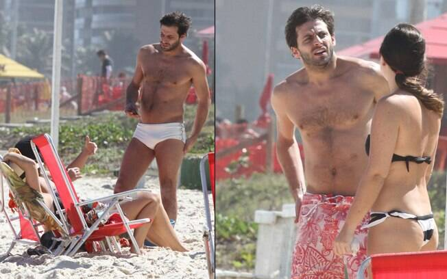 Henri Castelli curte praia com amigas