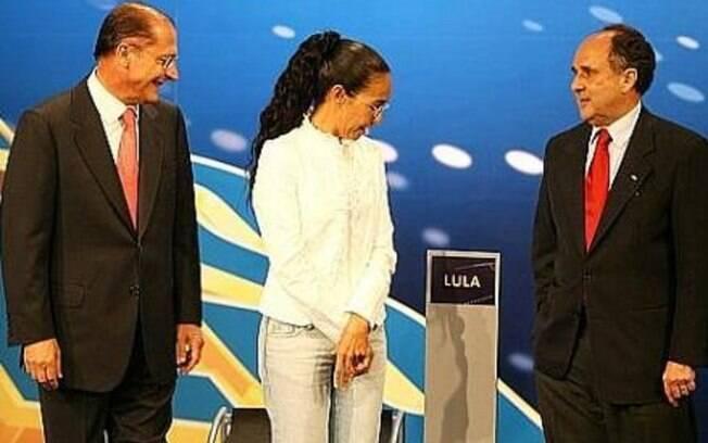PT que que debate na Band seja parecido com o de 2006 e que um púlpito vazio foi colocado no lugar de Lula