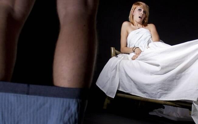 5. Ficar perguntando o que a mulher acha do seu pênis. Foto: Thinkstock/Getty Images