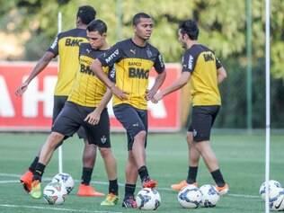 Rafael Carioca treinou com o time e pode estrear no domingo