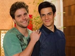 Os atores Thiago Fragoso e Mateus Solano protagonizaram o primeiro beijo gay em novela da TV Globo em