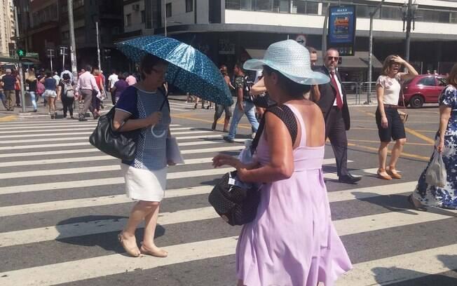 Sol predomina ao longo do dia e eleva as temperaturas em São Paulo