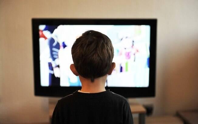 Resultado de imagem para perigos da televisão para os nossos filhos