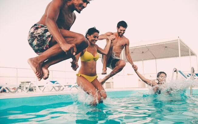 A piscina pode transmitir doenças que vão desde problemas na pele a infecções nas regiões íntimas