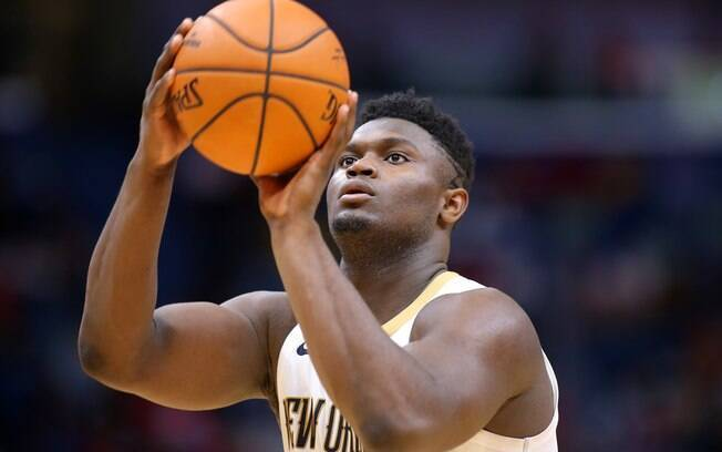 zion williamson arremessa