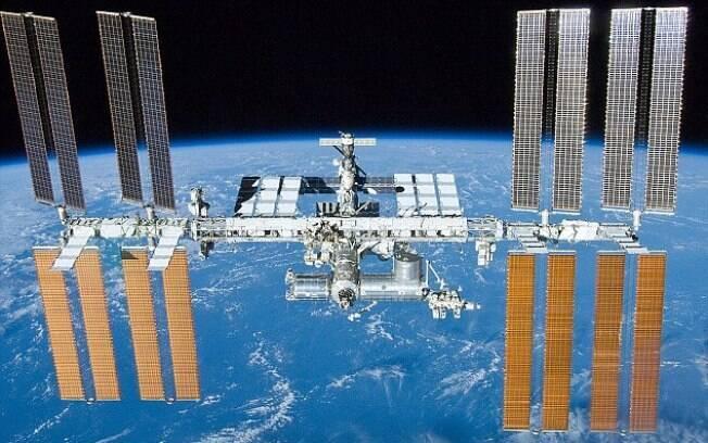 Tripulação da Estação Espacial Internacional (ISS) foi avisada sobre microfissura no laboratório orbital na quinta-feira