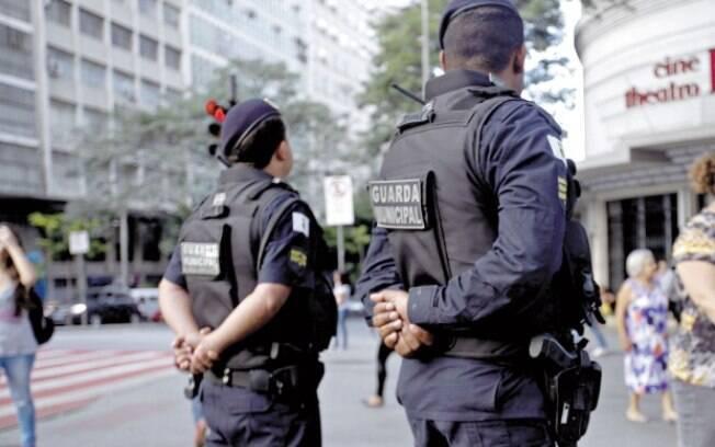 Mais guardas municipais, mais multas