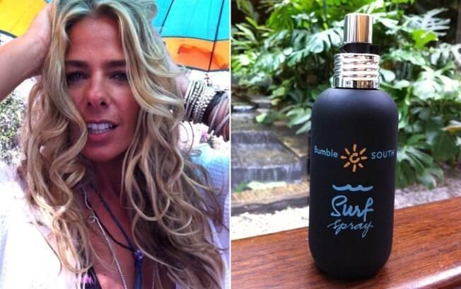 Biaggi mostra o spray salino usado no cabelo da apresentadora