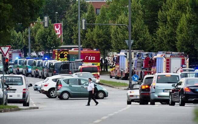 Um alemão-iraniano de 18 anos atacou um shopping em Munique, na Alemanha, e matou nove  na última sexta-feira