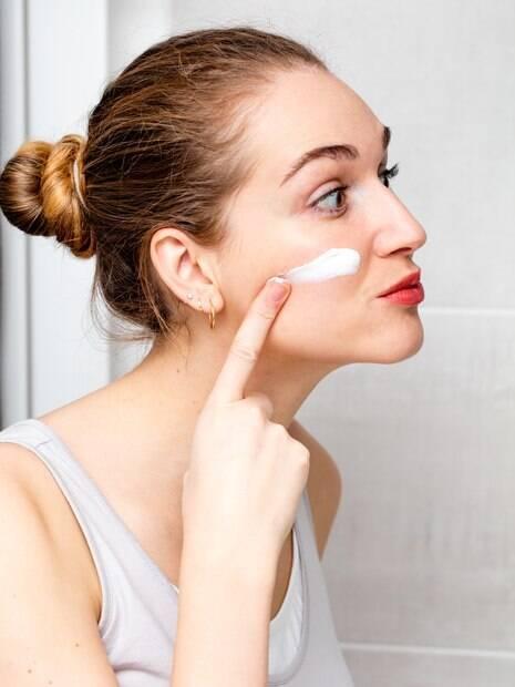 De acordo com o Instituto de Cosmetologia e Ciências da Pele 72,5% da população não aplicam o fotoprotetor diariamente