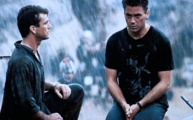 Com Mel Gibson em 'Air America - Loucos Pelo Perigo' (1990). Foto: Divulgação
