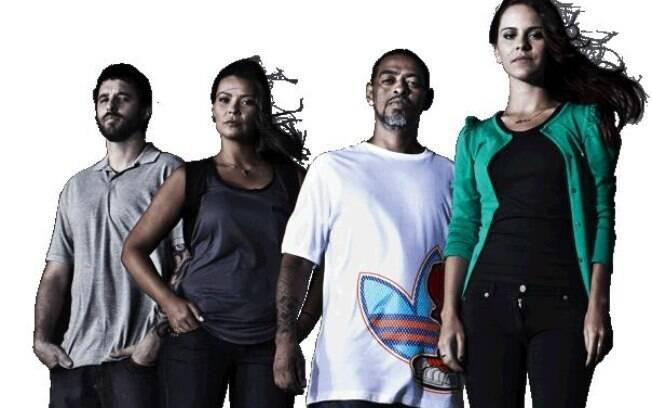 A formação anterior: os apresentadores Rafinha Bastos, Débora Vilalba, Thaíde e Sophia Reis, de 'A Liga'