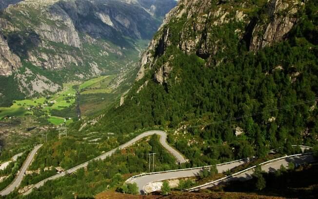 A estrada Lysebotn não é para viajantes de estômago sensível