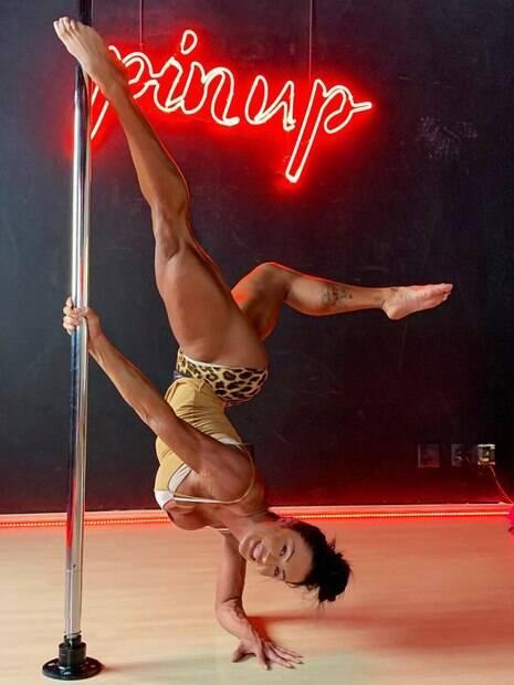 Gracyanne Barbosa declara amor pelo pole dance