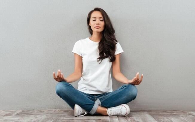 Cuide da sua saúde mental e física praticando meditação