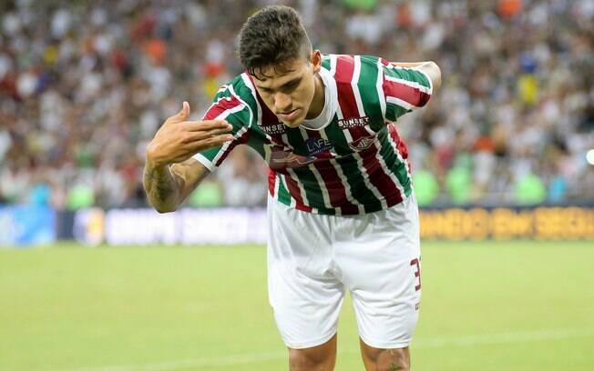 Pedro comemora gol pelo Fluminense