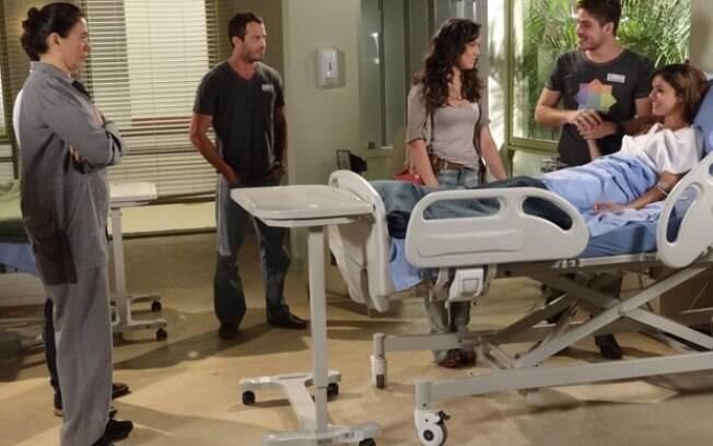 Amália tem uma melhora e anuncia a Rafael e Griselda que está grávida.