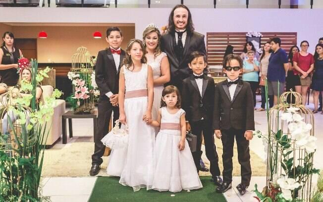 Helen e Diego tiveram um casamento bancado por fornecedores que comoveram com a trajetória da família