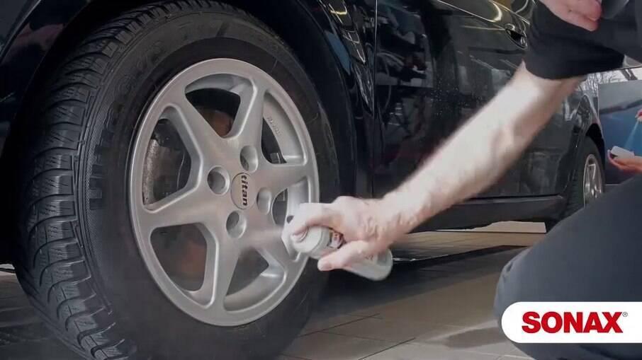 Selante de rodas Wheel Rim Coating dura por mais de um mês.